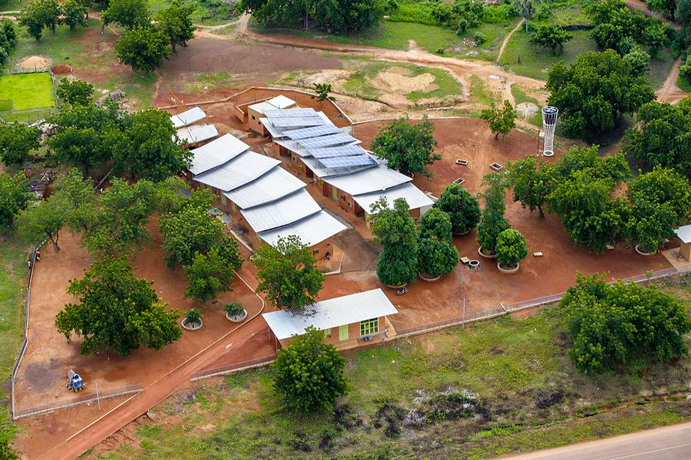 Birds Eye View Of The Lo Surgical Clinic And Health Centre Photo By Iwan Baan